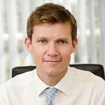 Dr Edward Seaton